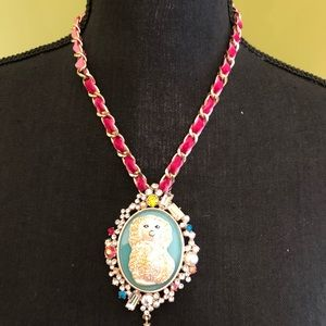 BNWT Betsey Johnson Authentic Granny Chic Necklace